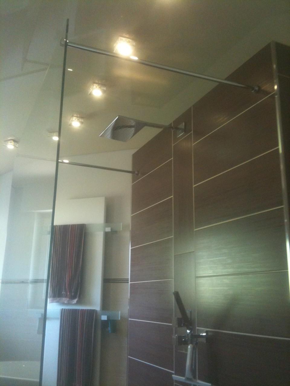Spanndecke Champagner glänzend Hemer Badezimmer