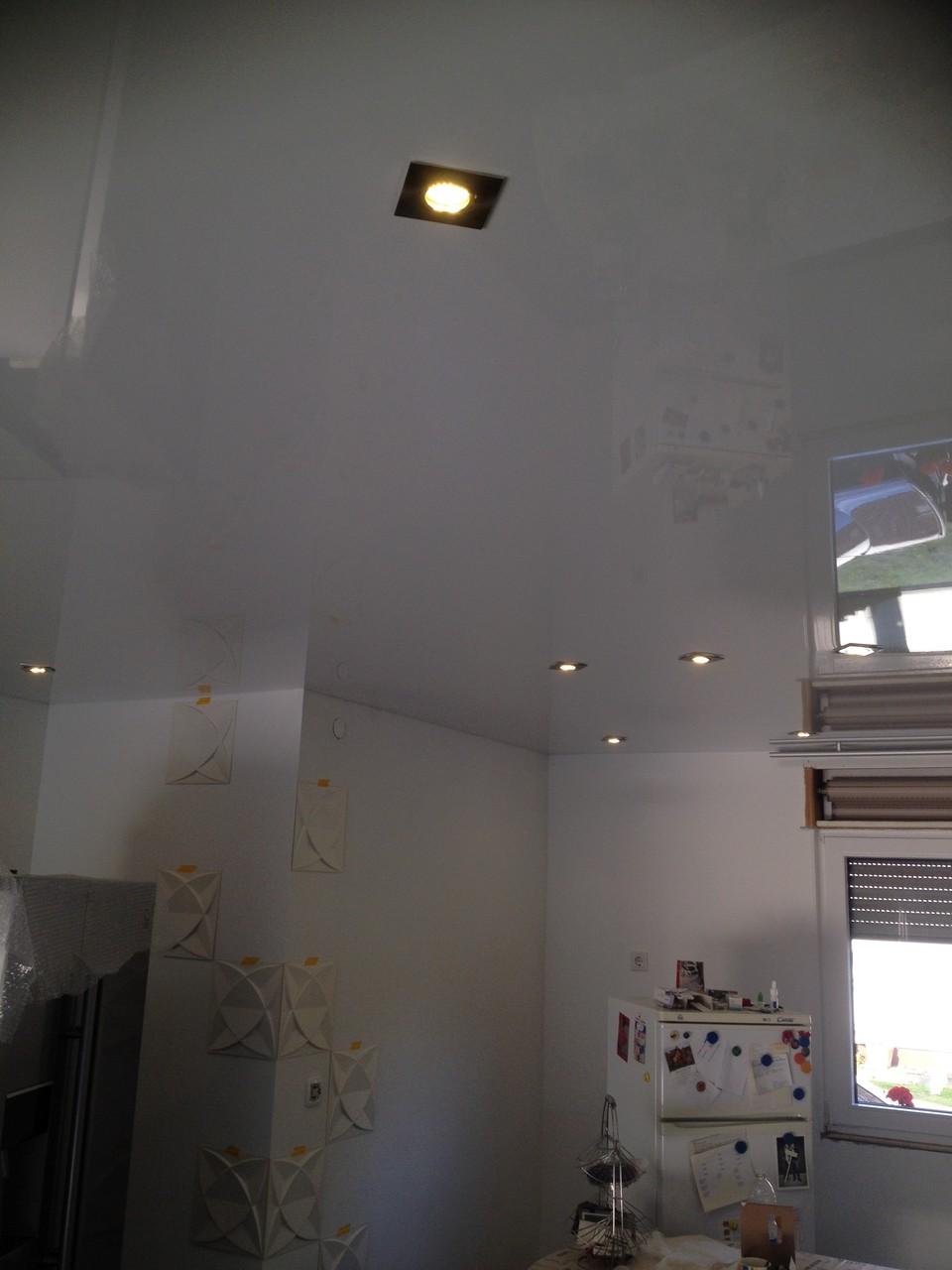 Spanndecke weiß glänzend Küche Unna