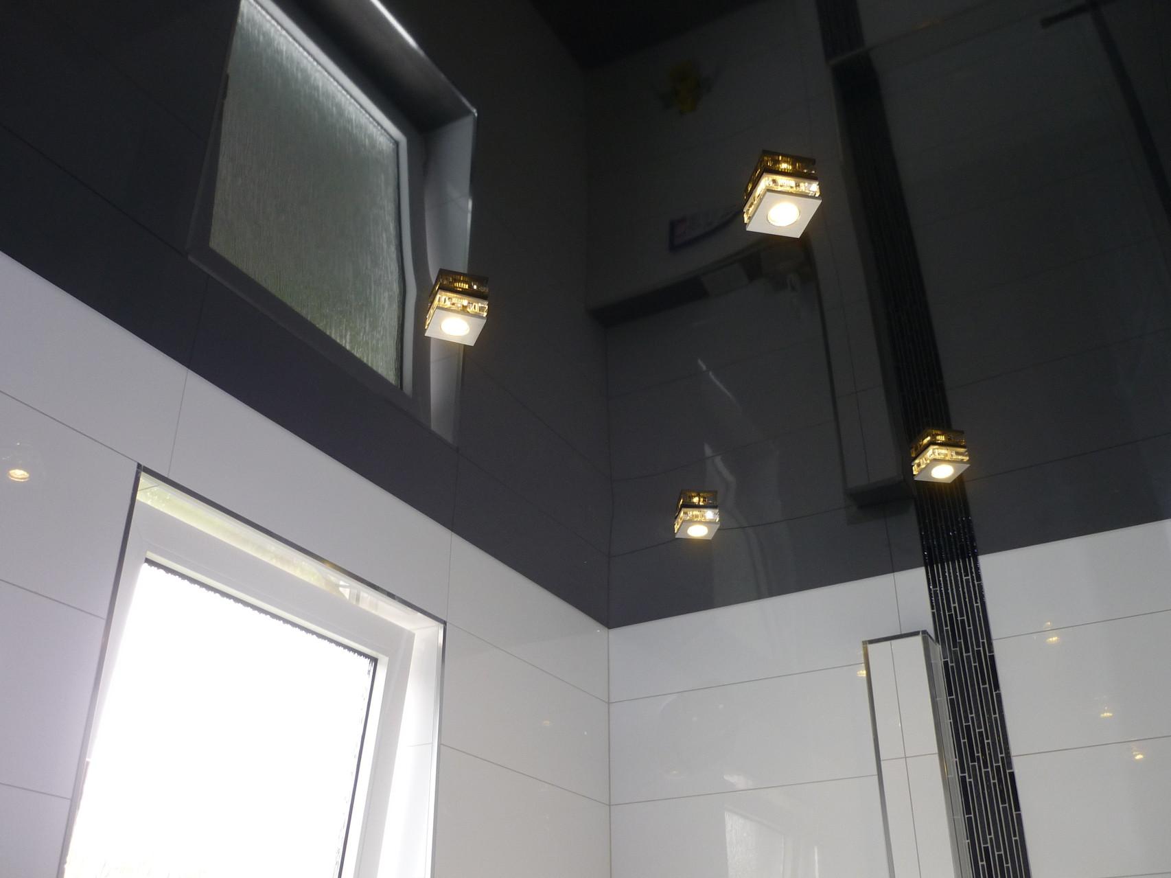 Spanndecke Schwarz glänzend Unna Badezimmer