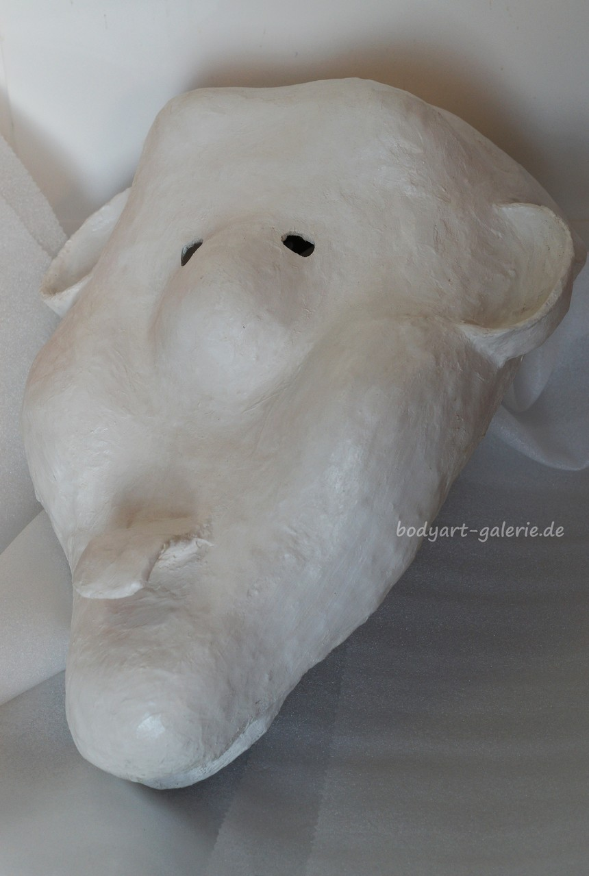 """Die Maske wurde mir so vom Verein """"Bichama Scholwadrebla"""" überreicht © bodyART Galerie"""