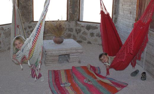 Reisen mit der Familie am Salzsee von Uyuni