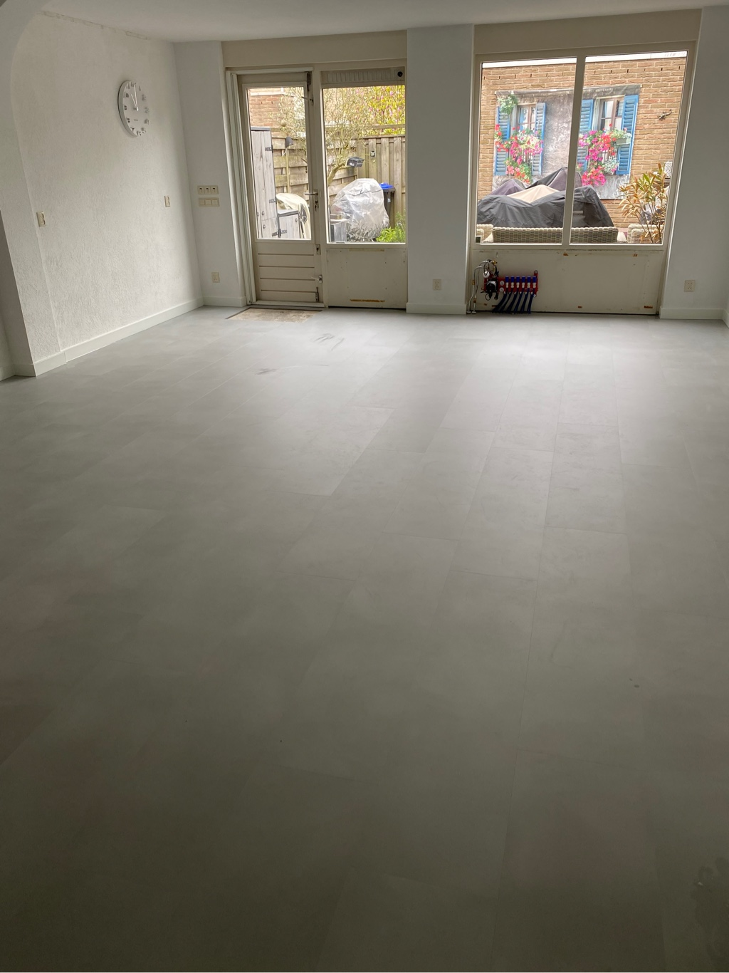 54 m² Quick-Step Minimal Lichtgrijs  te Hendrik-Ido-Ambacht