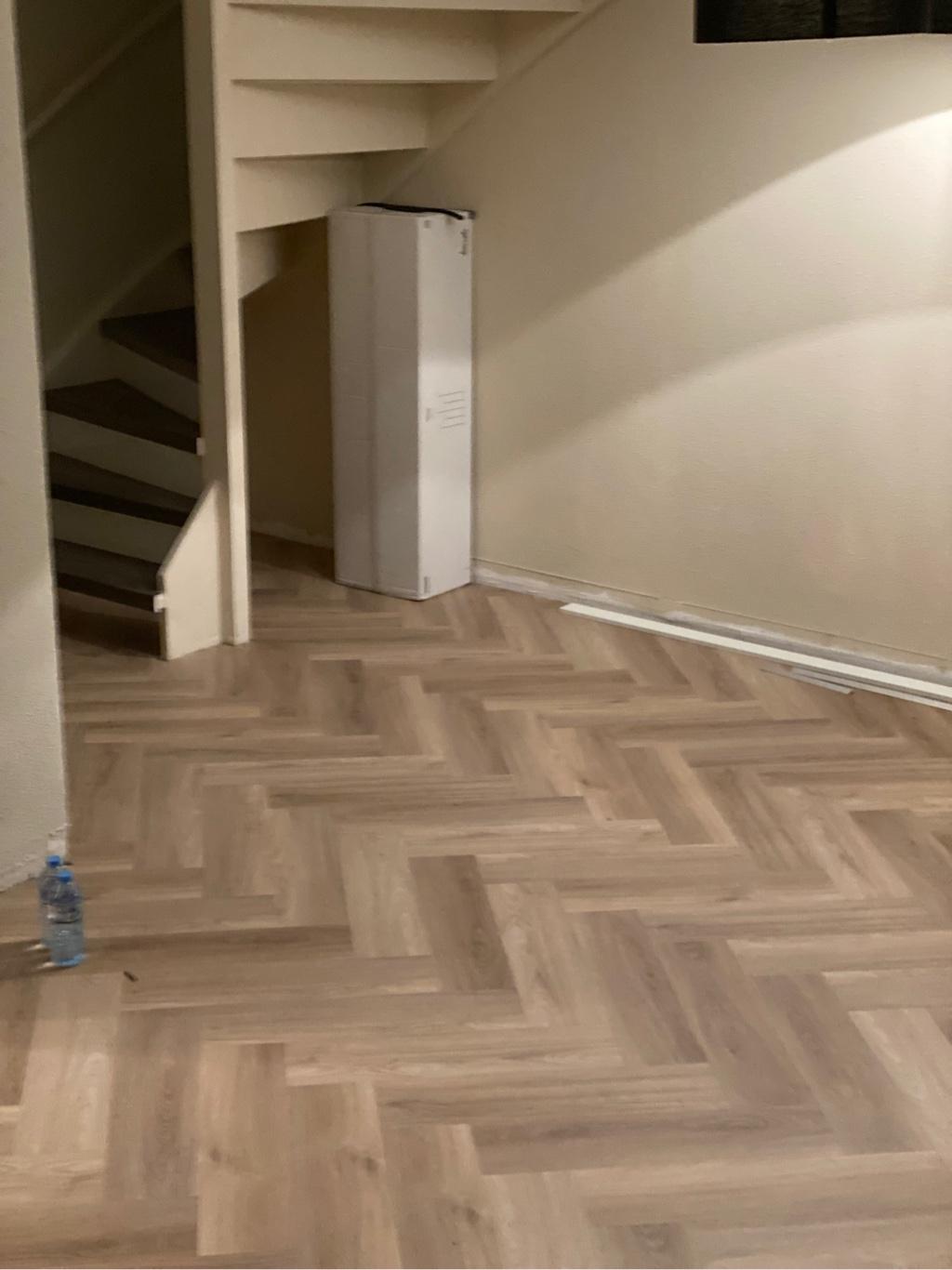 47 m² Visgraat Spigato Beige klik-pvc
