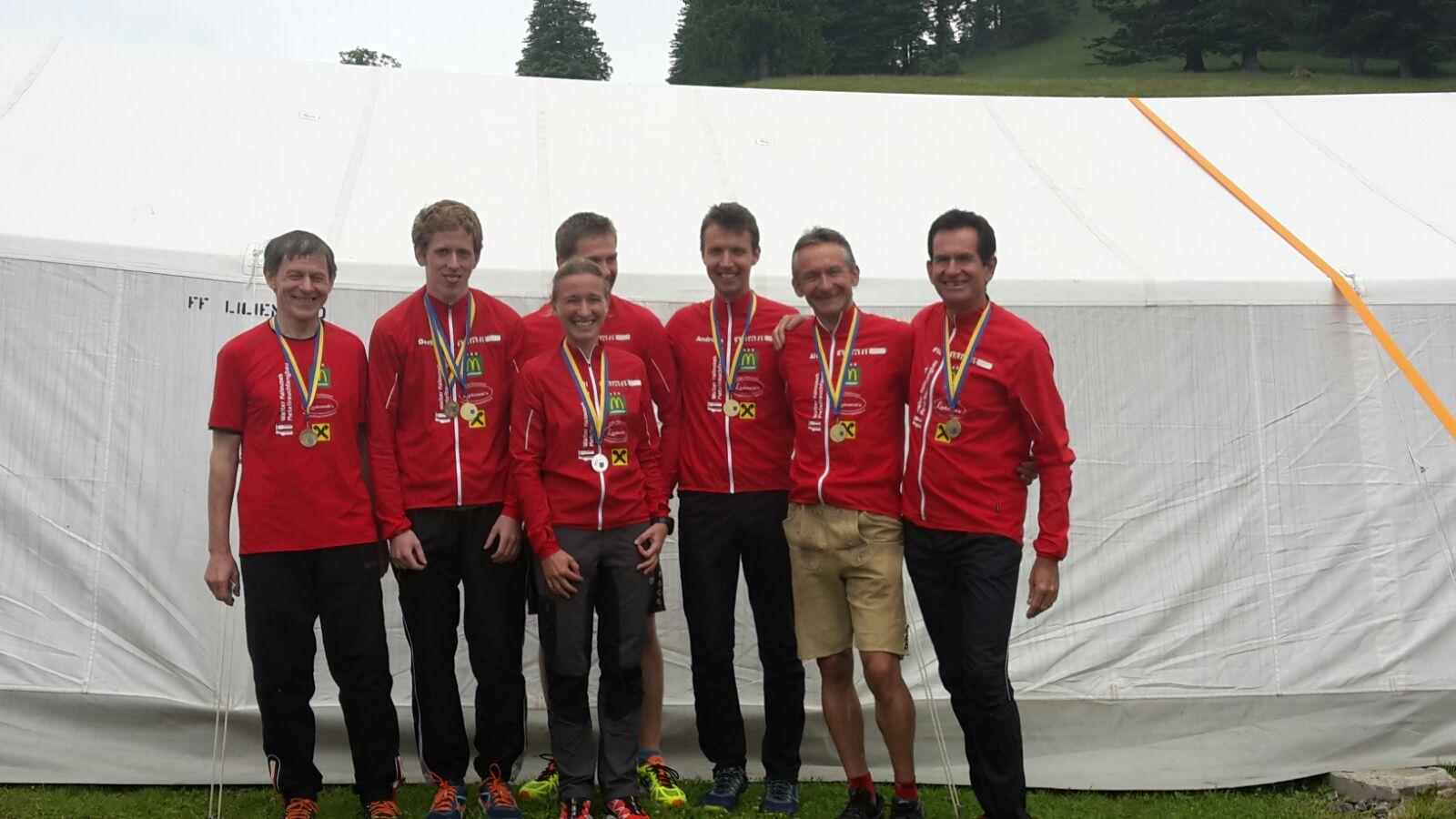 Die stolzen Teilnehmer: vlnr.: Ferdinand, Gerhard, Ulli, Josef, Andreas, Alois, Ernst