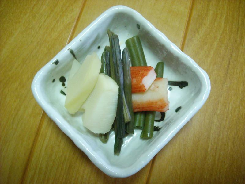 津幡町相窪産タケノコとワラビ、インゲンの炊き合わせ