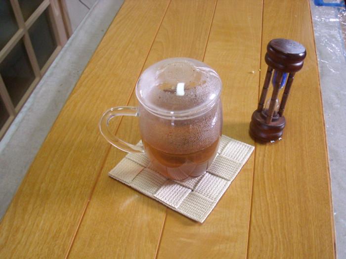 お茶を蒸らしながら、待つこと3分!!