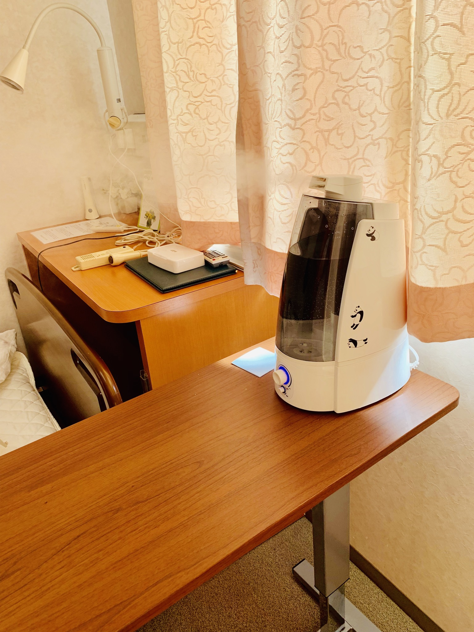 4階では患者様の退院時には次亜塩素酸で噴霧器で空間除菌をいたしております。