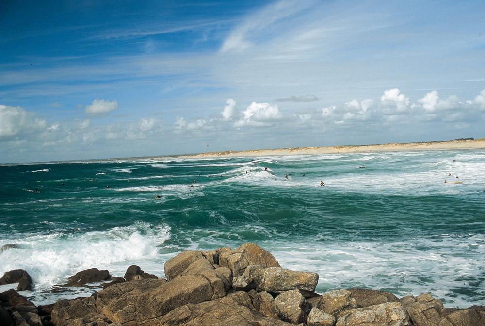 Surfeurs à La Torche  ©.Gratien Jean Patrick