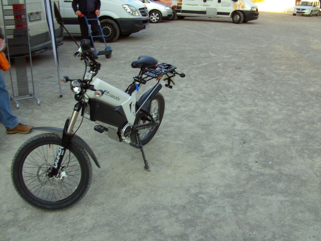 Elektro Moped in verschieden Farben z.B. Weiß