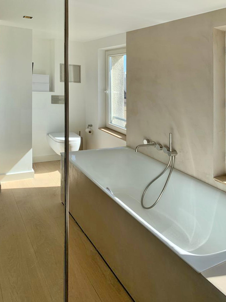 Badewanne, Armaturen, WC, Drückerplatte, Accessoires