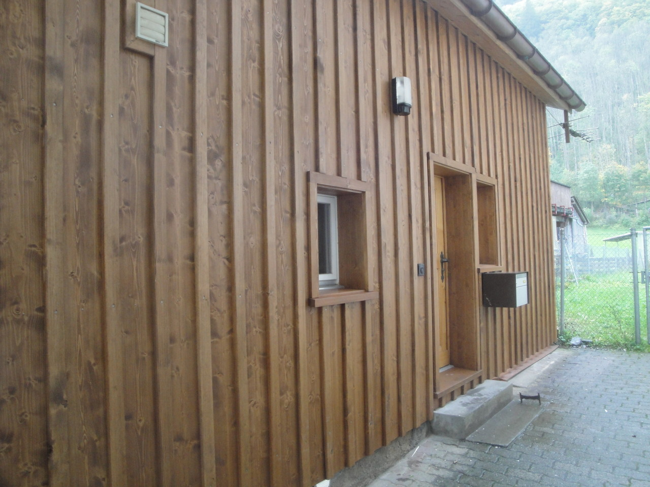Fassade Ferienhaus neu, Linthal