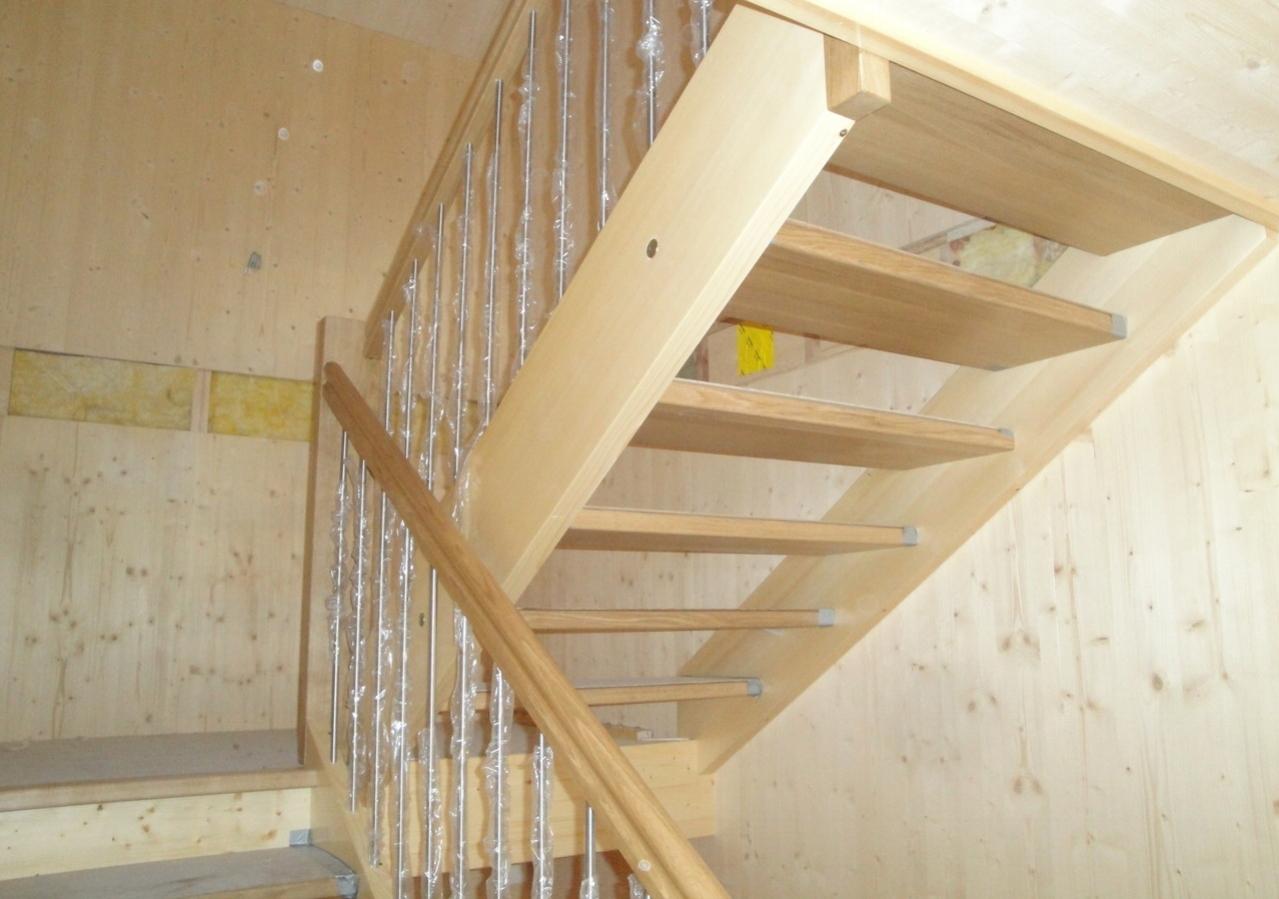 Treppe in Neubau Einfamilienhaus, Linthal