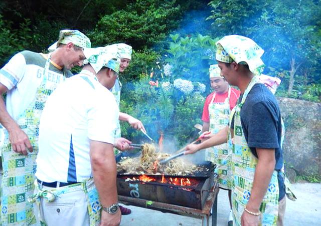 民泊体験・体験教室(料理・生花・笑いヨガなど)では日本の文化を存分に感じていただけます~日本の文化に興味のある外国人の方もお気軽にご参加ください~