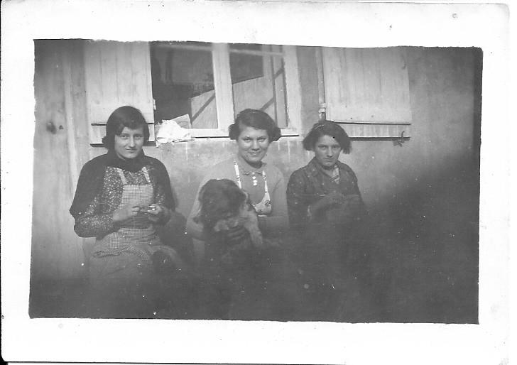Jeanne Rabut, Marthe et Suzanne Laborier.