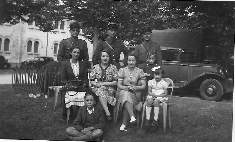 Fernand et Louise Rabut et des collègues.