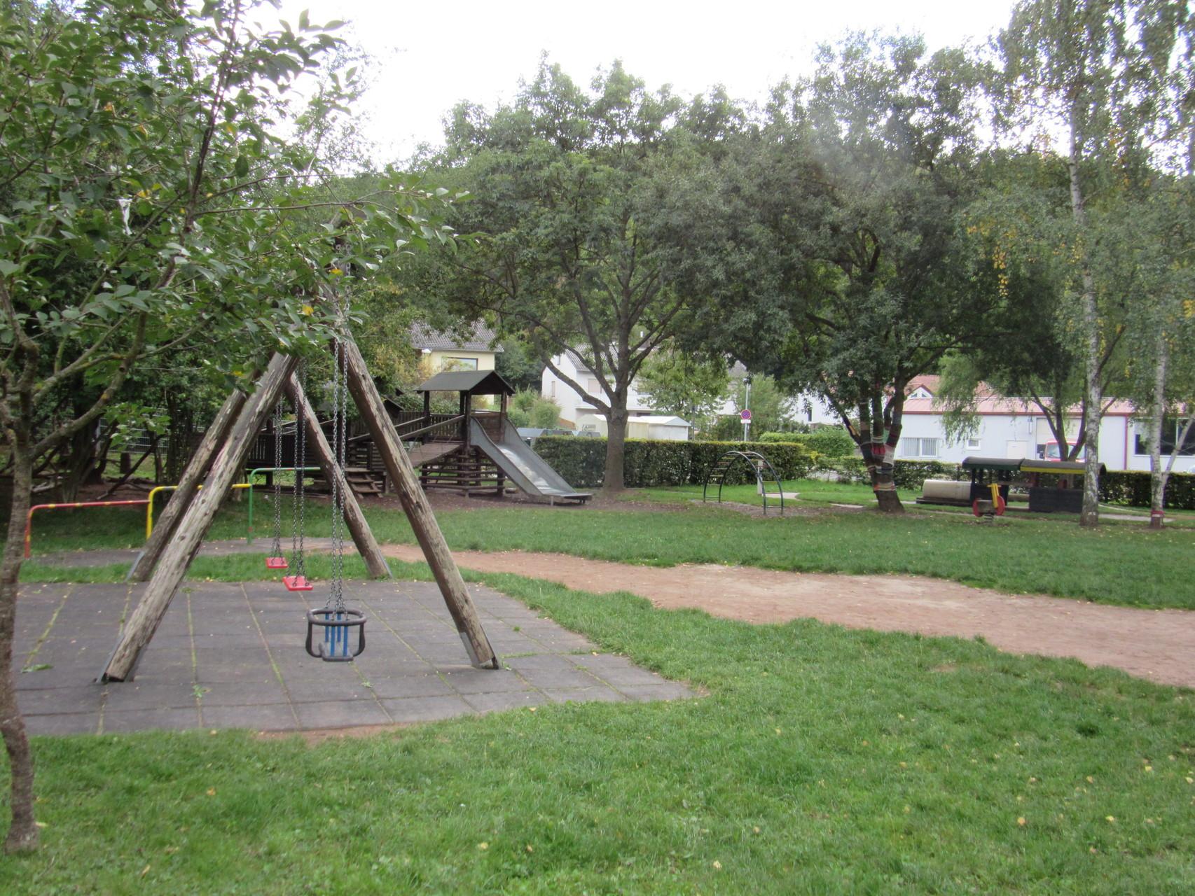 Kletterbogen Pflanzen : Außengelände kindertagesstätte bockenau