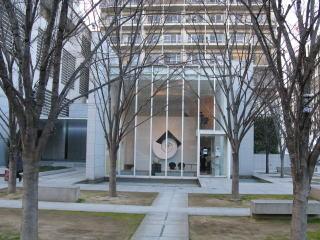 広島有数の高層マンションに隣接する「ギャラリーG」