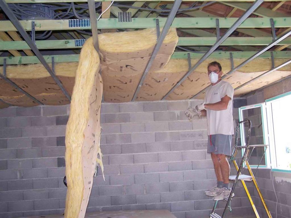Travaux de pose de placo platre zen multiservices m ze for Isolation faux plafond
