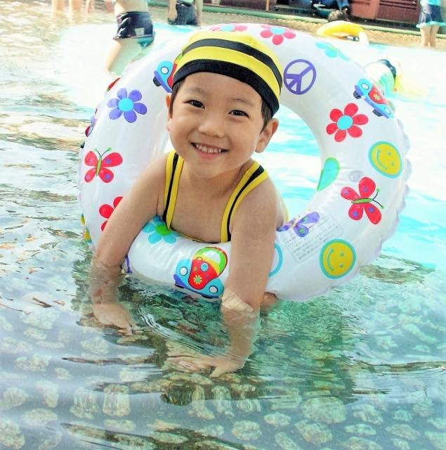 脱毛して娘も楽しくプールへ行きます