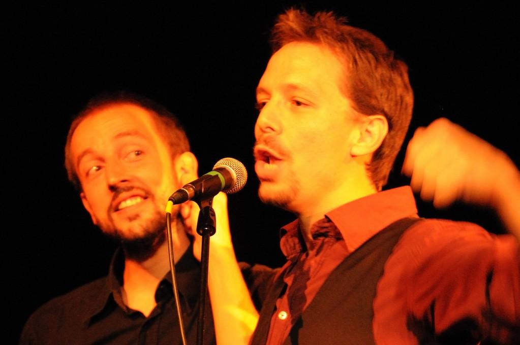 Canciones de Miedo y Risas: En plan Ruiz Mateos