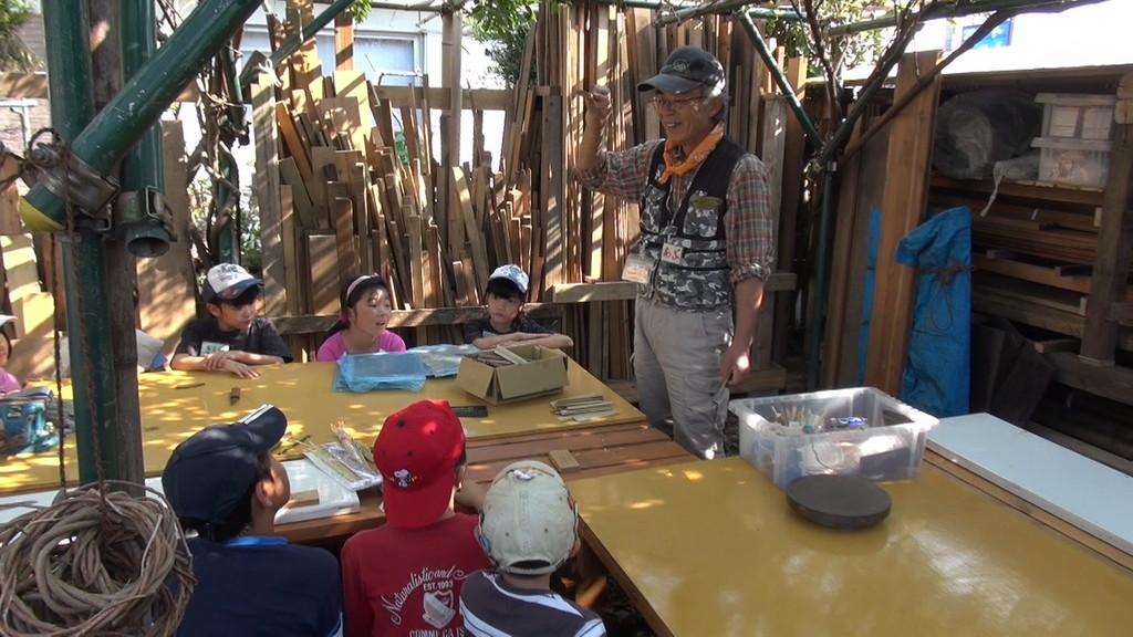 そして竹とんぼ作りの開始です。