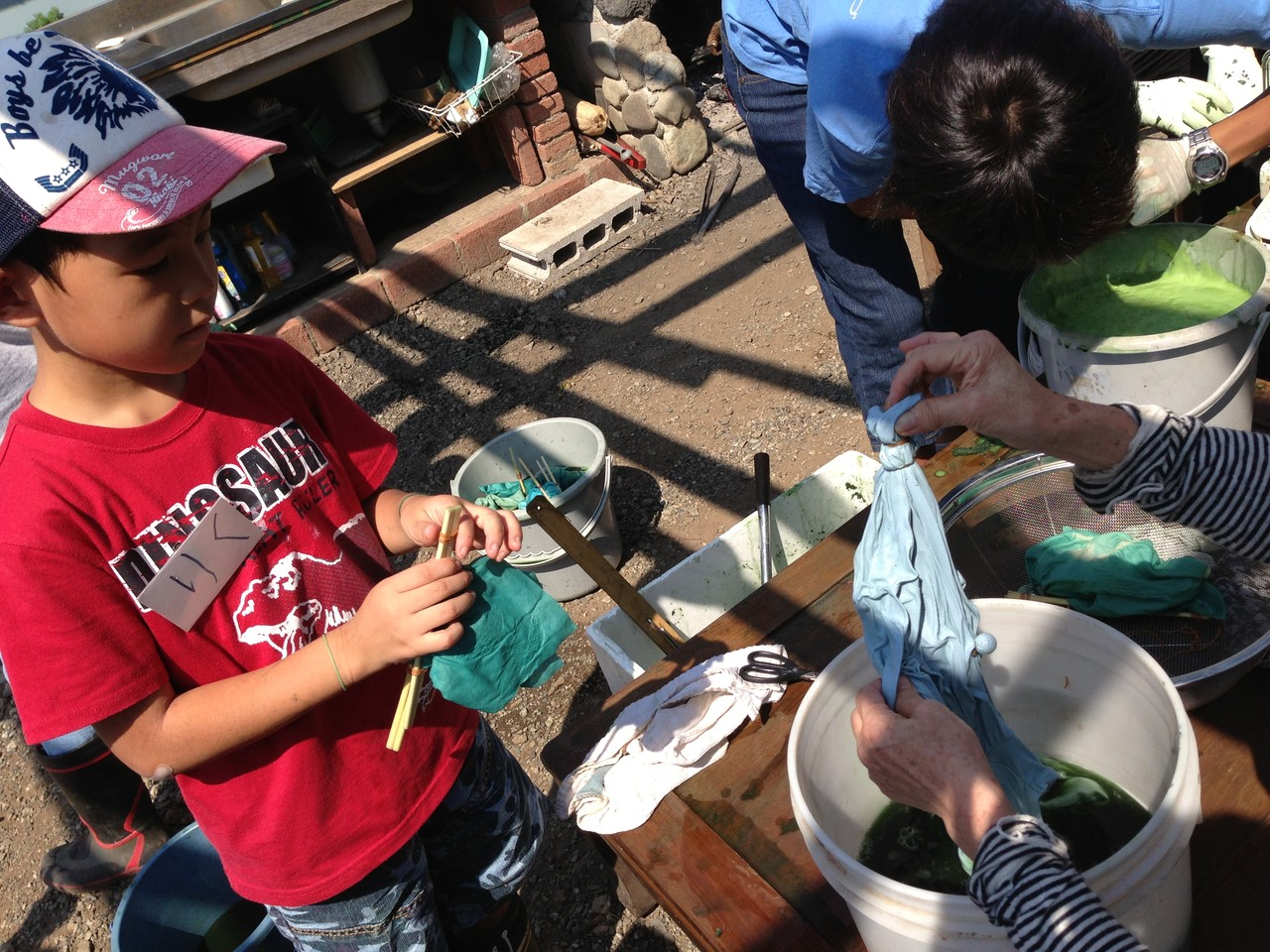 その後割り箸や輪ゴムなどを取って、