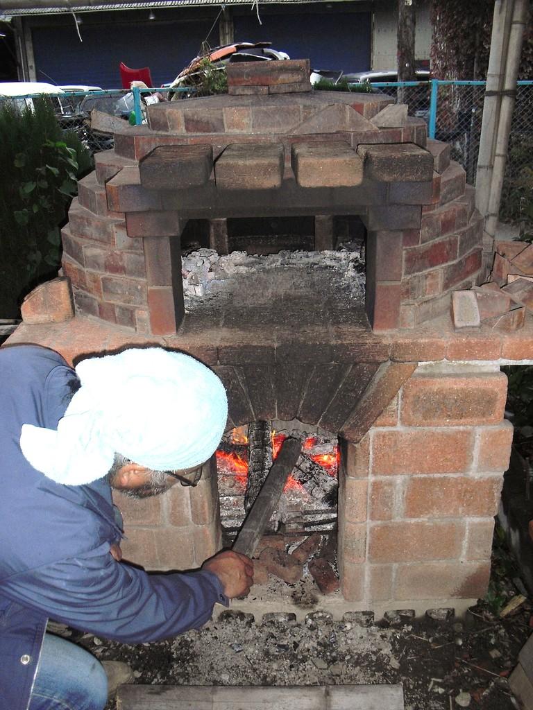 こちらは…2年越しで進めていたピザ窯作り。ついに完成です!!!久松さんの素晴らしい腕前を今度皆さんも直にご確認ください!