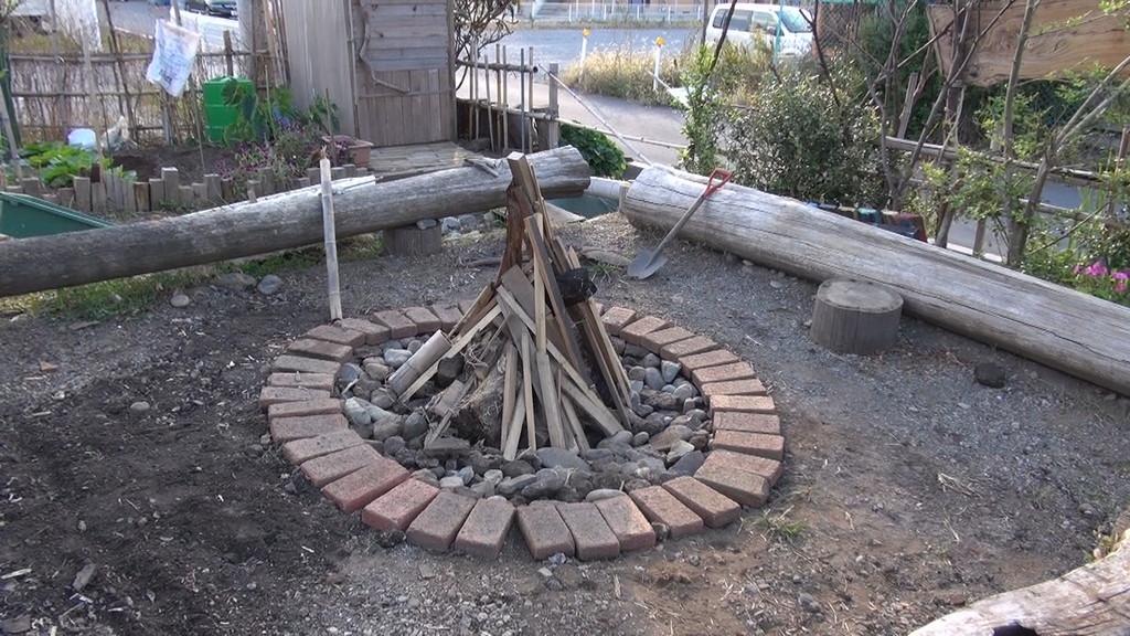 はい、土器を焼く準備完了!
