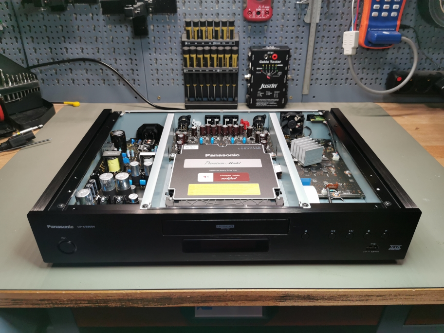 "Panasonic DP-UB9004 mit ""Digital Plus"" Mod"