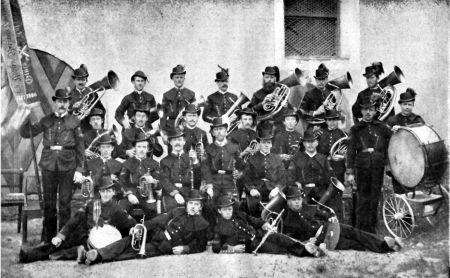 Josef Walcher jun. mit Musikkapelle 1896