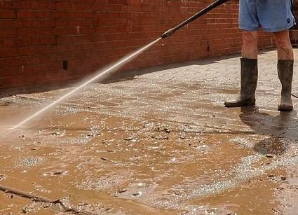 Schmutzwasser versaut Umgebung