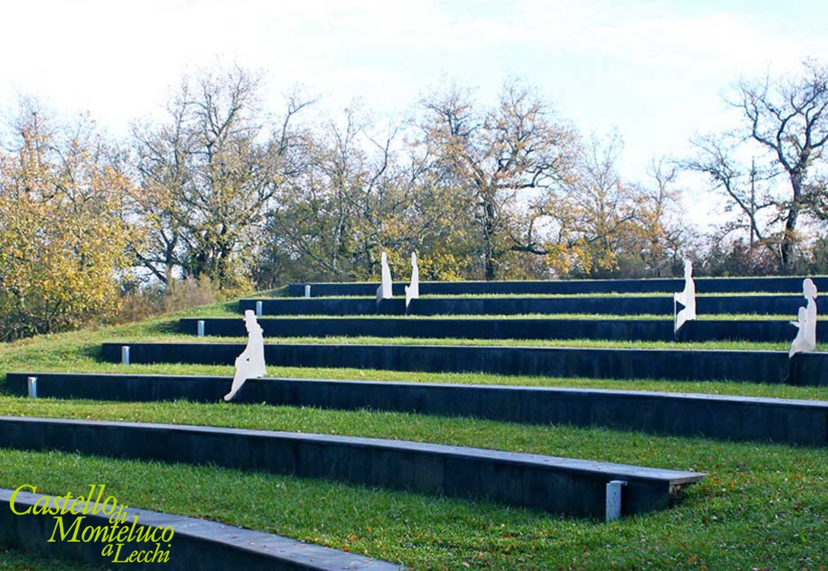 L'anfiteatro del Parco • The amphitheater of the park
