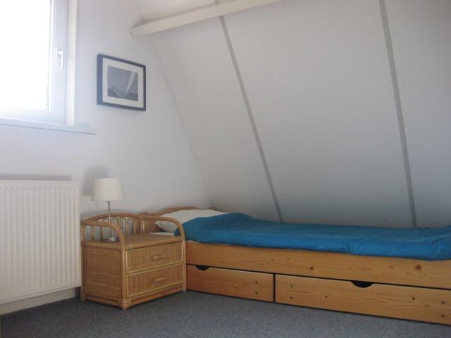 www.bungalowparkgarijp.nl - Schlafzimmer 2 von 3