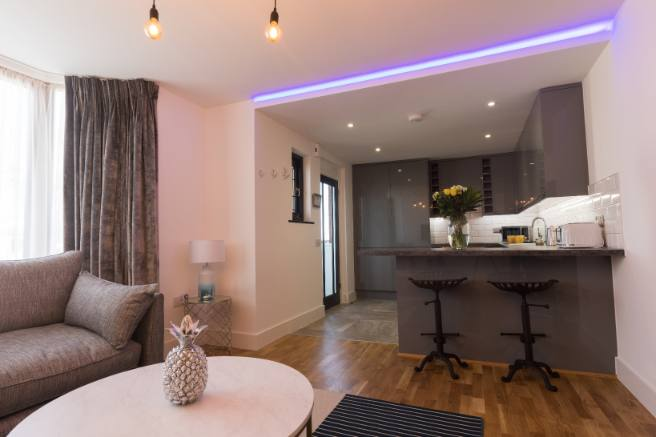 Broadstairs Apartments, View of the Palms, open plan living