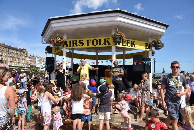Hobby Horse Club bedlam at the Bandstand. Image: © Broadstairs Folk Week Trust