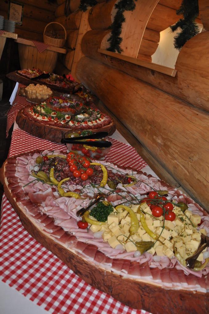 Beste und umfangreiche Speisen für Ihre Feier!