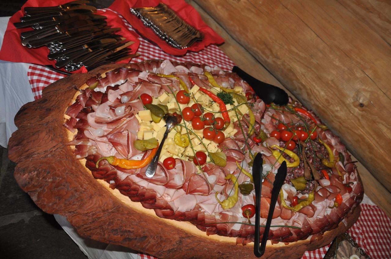 Beste Speisen und Getränke in der Bärenhütte Tröpolach