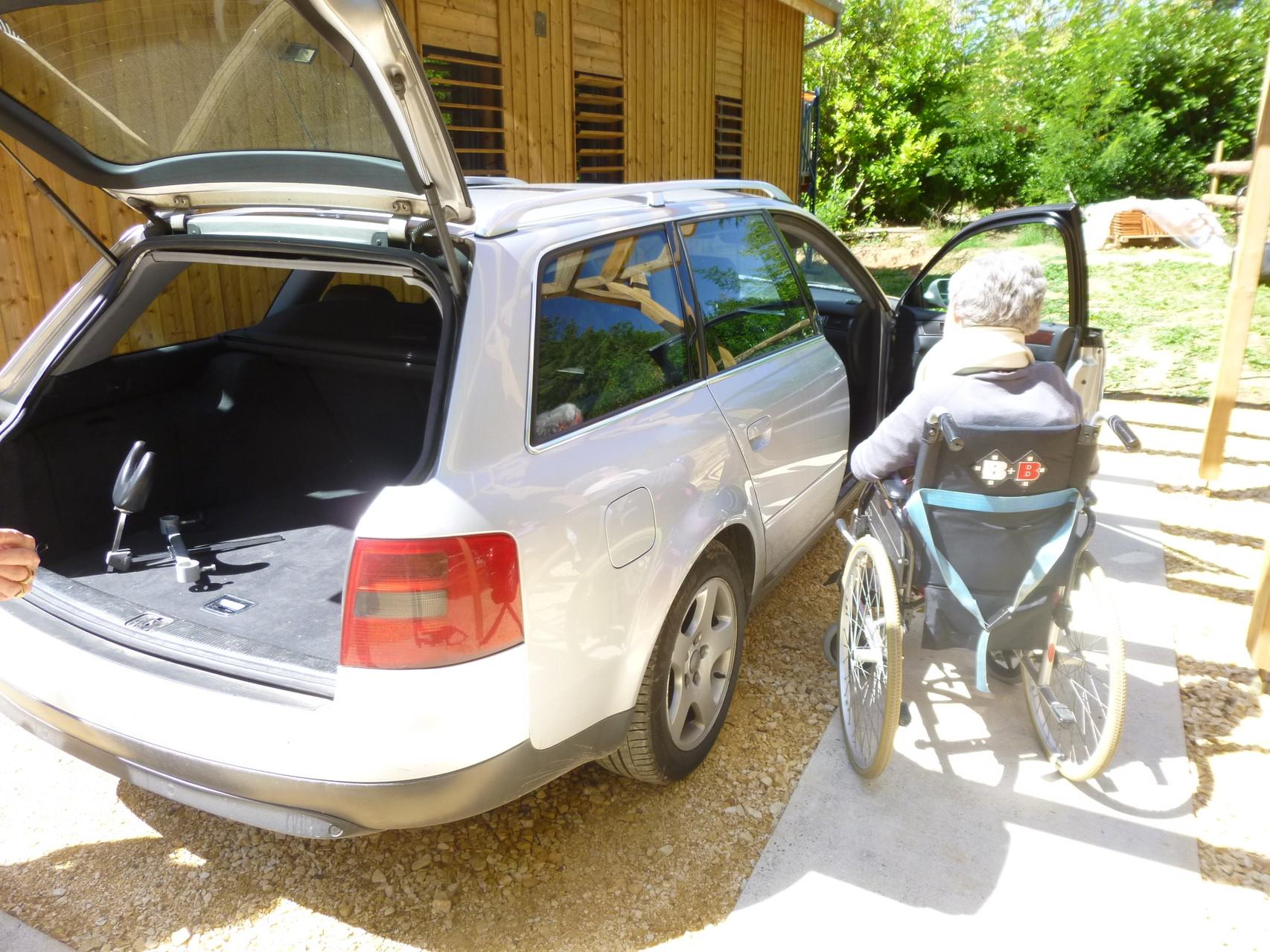 Accessibilité latérale au véhicule