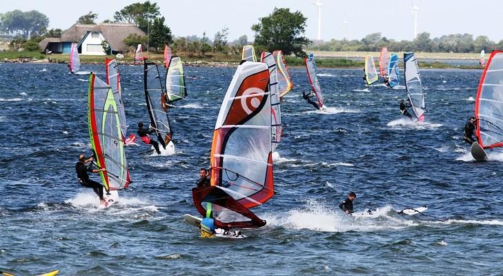 Ein Paradies für Wind- und Kitesurfer