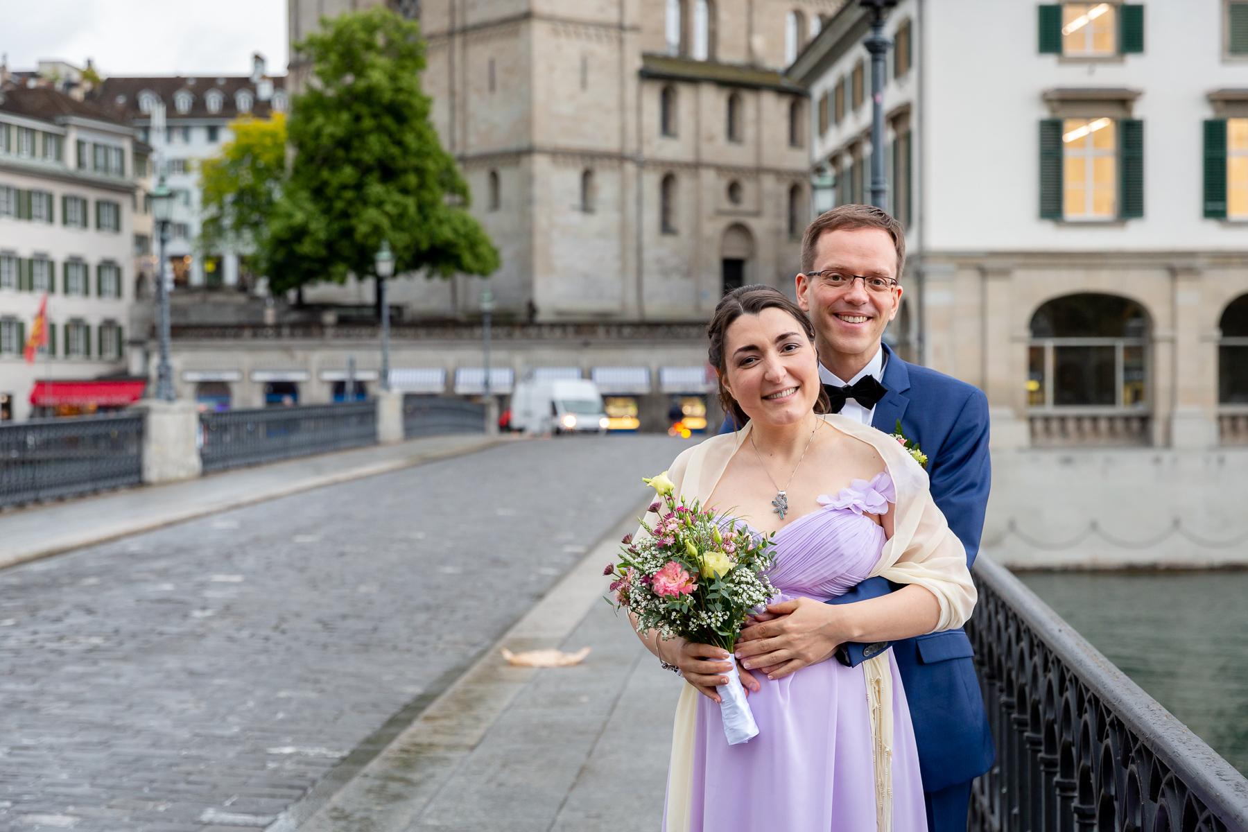 Hochzeitsfotograf in Zürich beim Stadthaus