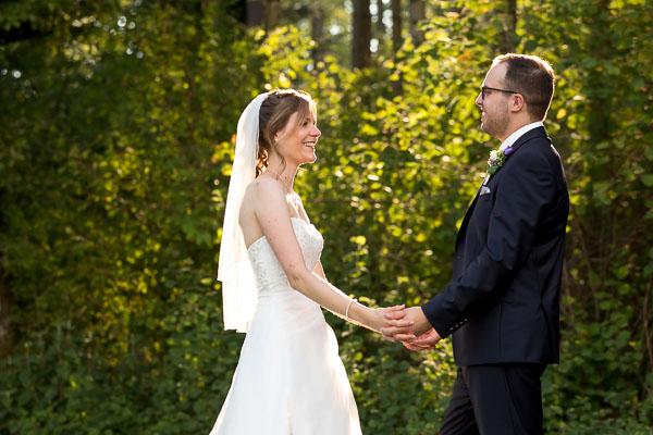 Hochzeitsfotograf in der Natur