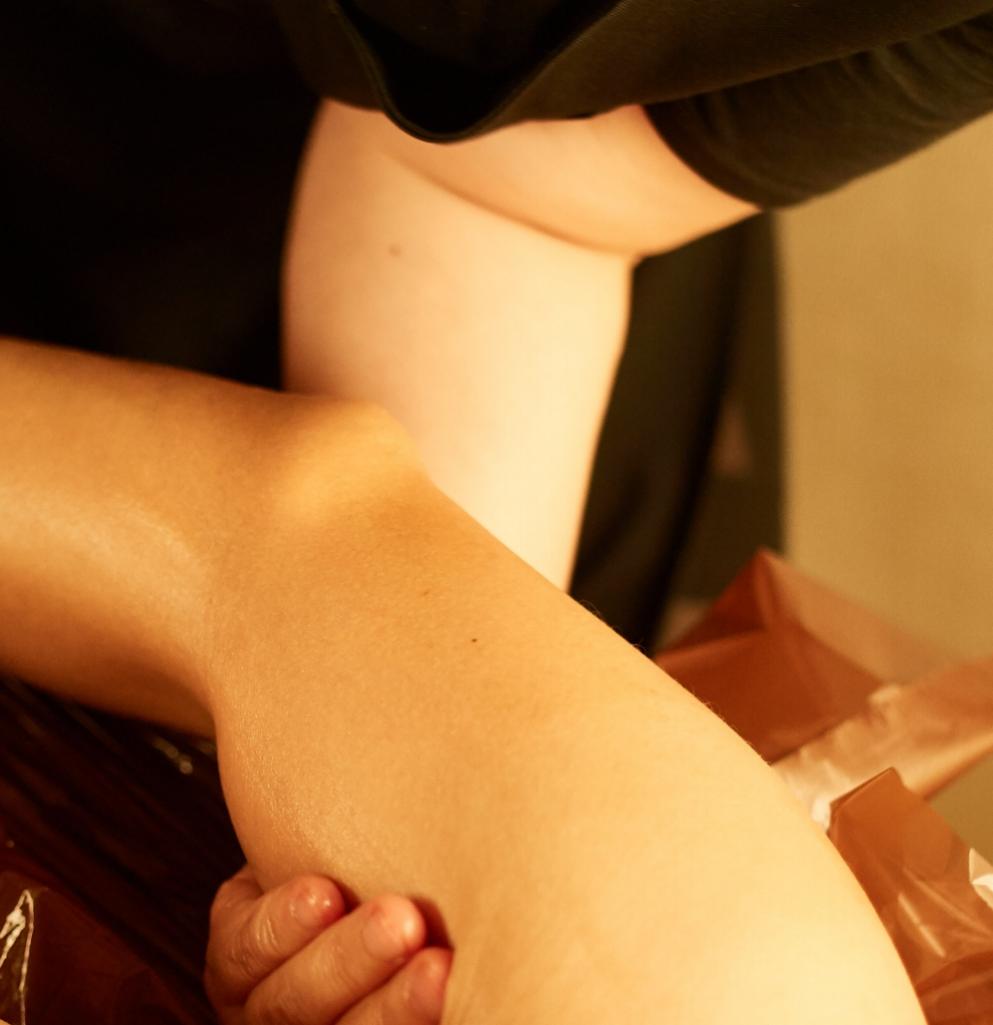 二の腕リンパ流しの施術イメージ