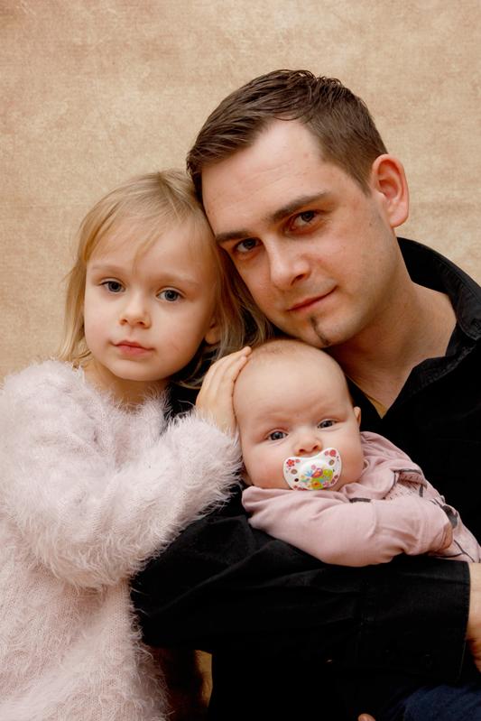 Familienfotoshooting, Papa mit seinen beiden Töchtern ♥