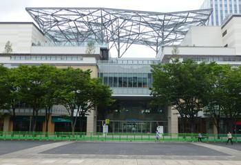 横浜・大型商業施設のMARK ISみなとみらい