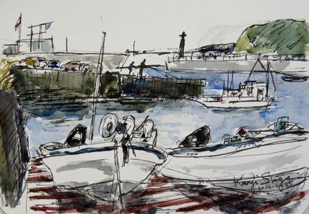 鎌倉・腰越漁港の船と江ノ島