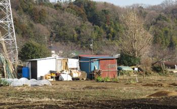 藤沢・引地川親水公園界わいの畑の小屋