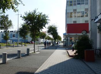 横浜・三井アウトレットパークの入り口付近