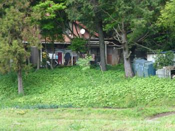 藤沢市・大庭の山小屋風の建物