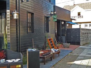 鎌倉市・裏通りのミルクホール