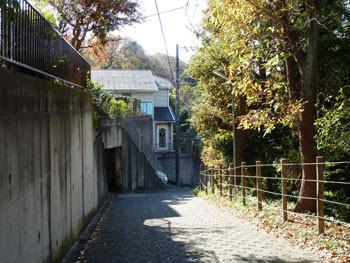 藤沢・成就院近くの家
